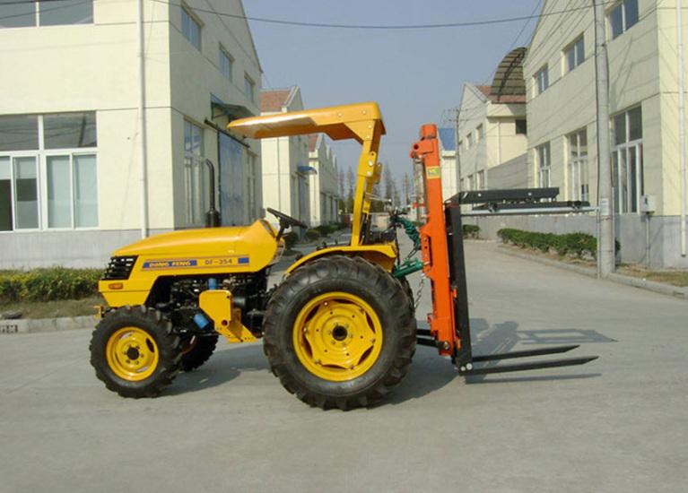 Вилочный погрузчик на трактор