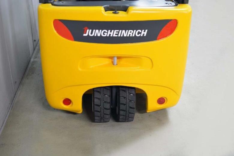 Вилочный погрузчик Jungheinrich EFG 220