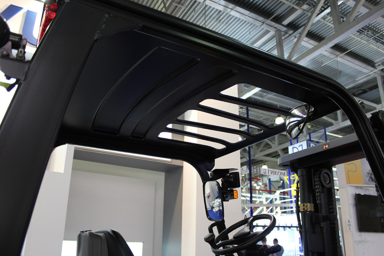 Надежная крыша кабины Hyundai 50D
