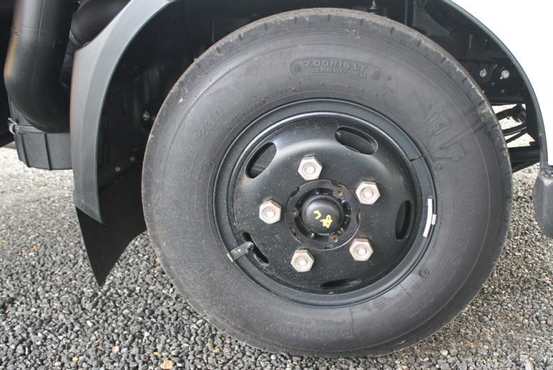 Колеса автомобиля Хино 300