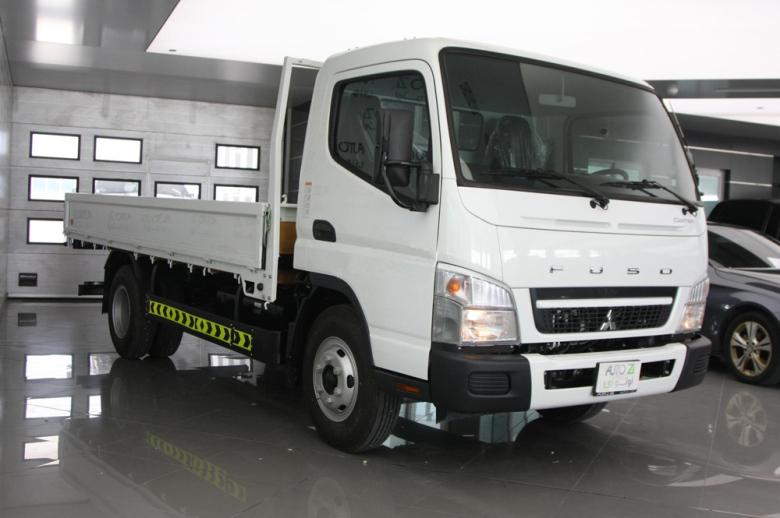 Автомобиль Mitsubishi Fuso Canter